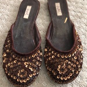 Slip on sequin brown shoe